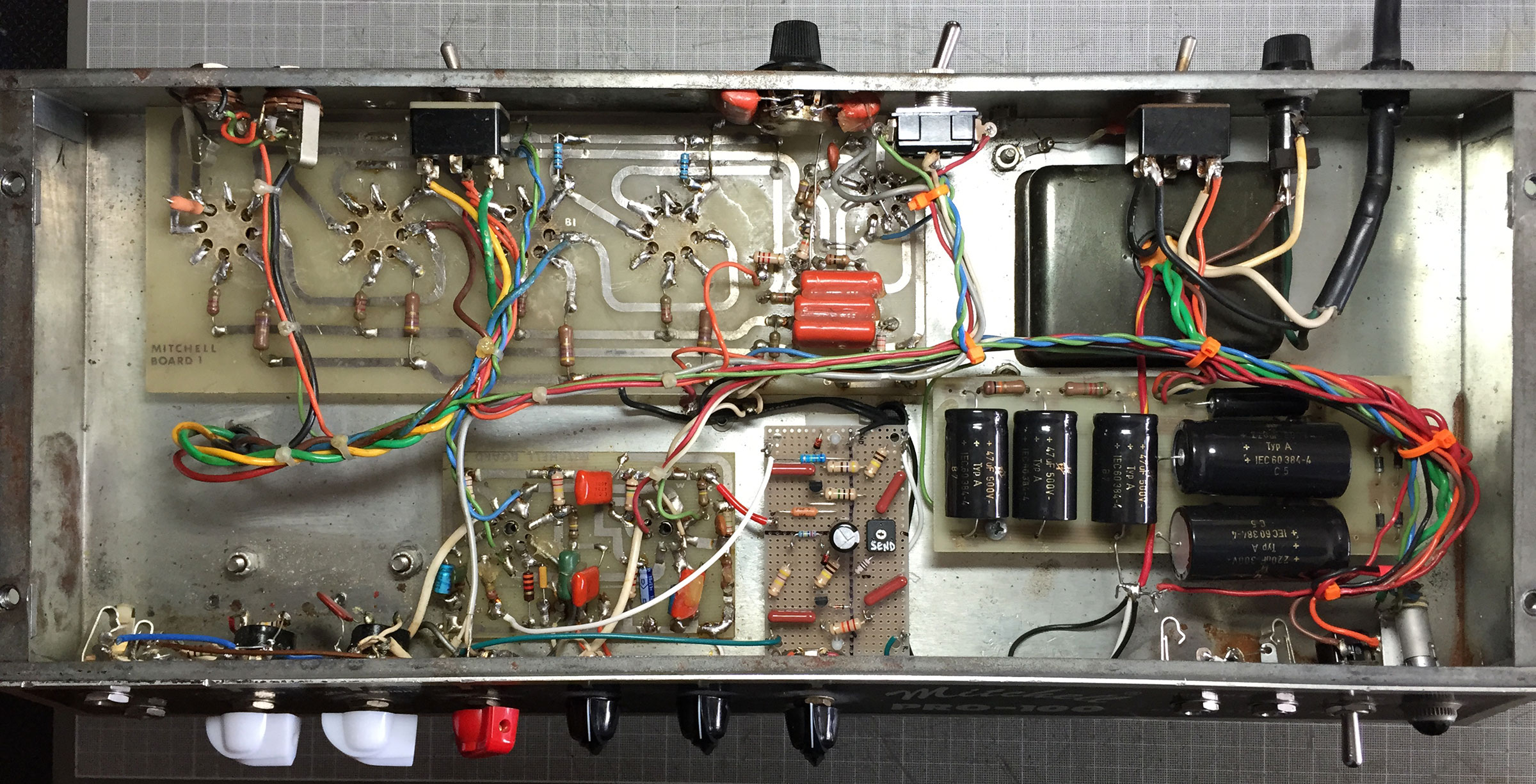 Mitchell PRO-100 | Custom, all-tube guitar amplifiers